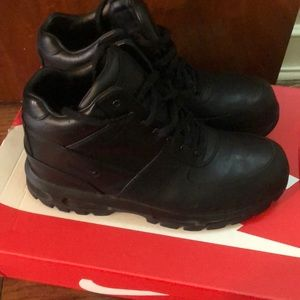 Men's Nike boots